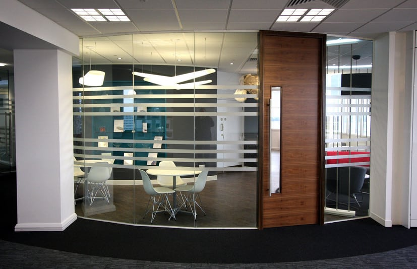 noise reduction using office glass partitions