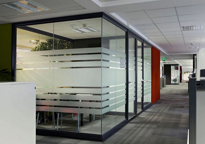 modern office interior partition using glass